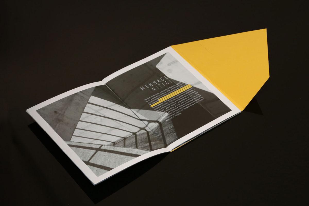Convite de formatura criativo para turma de Arquitetura Unievangélica