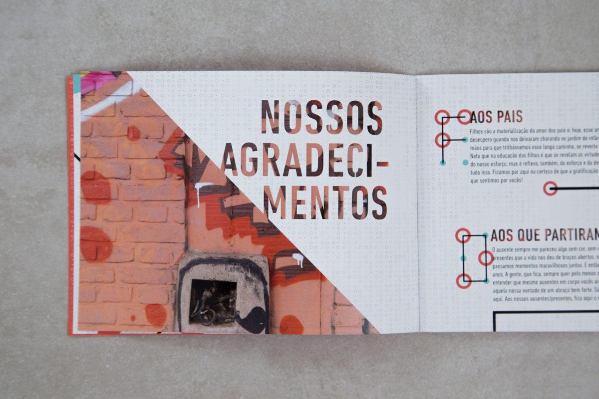 Convite de formatura criativo para turma de Jornalismo PUC