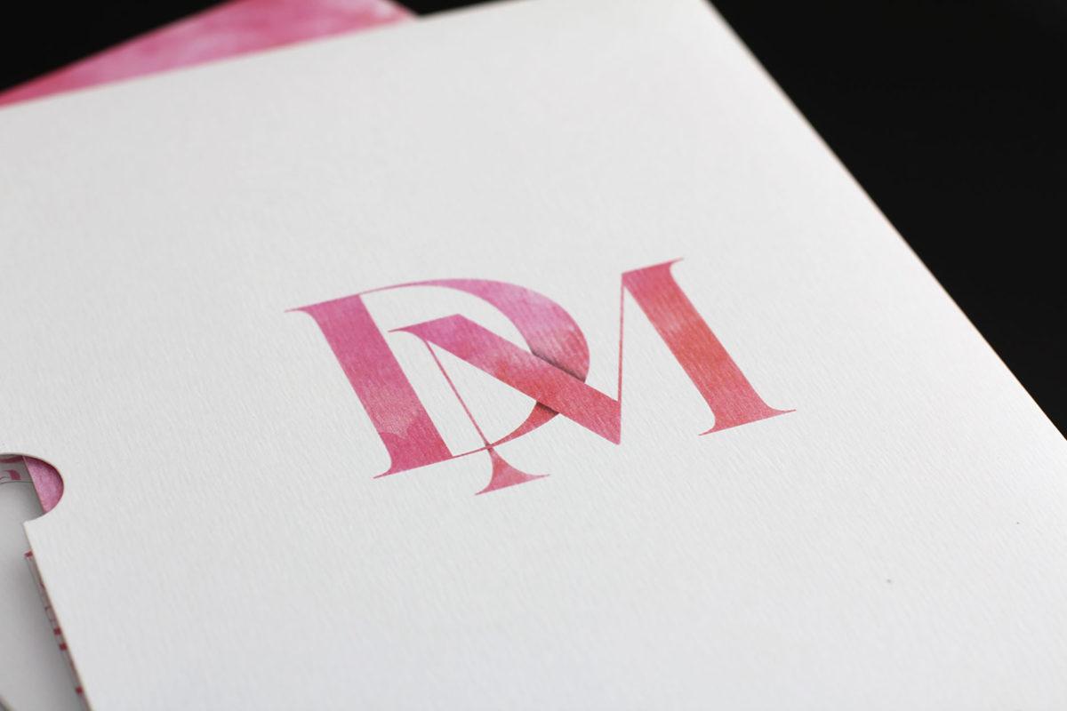 Convite, identidade visual e papelaria para casamentos criativos